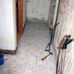 Allt golv borta, nu ska vi bara försöka ta bort bastun också.